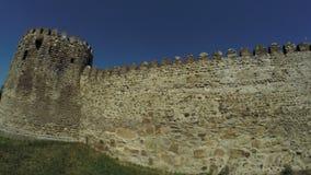 Vista de la pared de piedra de Mtskheta Georgia Ancient almacen de metraje de vídeo
