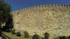 Vista de la pared de piedra de Mtskheta Georgia Ancient metrajes