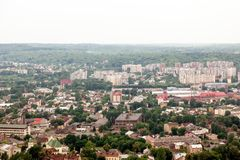 Vista de la pequeña ciudad vieja Lviv Imágenes de archivo libres de regalías