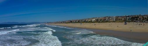 Vista de la playa de California meridional del embarcadero en panorama del día soleado fotografía de archivo libre de regalías