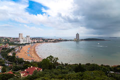 Vista de la playa de baño N1 de Xiao Yu Shan Park, Qingdao Foto de archivo