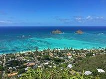 Vista de la playa de Lanikai del rastro del fortín, Oahu, Hawaii foto de archivo libre de regalías