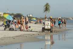 Vista de la playa del embarcadero de la pesca en el fuerte Myers Beach, la Florida Imagen de archivo