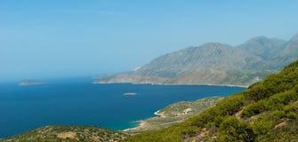 Vista de la playa del golfo de Mirabello Imagenes de archivo