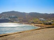 Vista de la playa del paraíso en Mykonos Imagenes de archivo