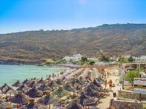 Vista de la playa del paraíso en Mykonos Foto de archivo libre de regalías