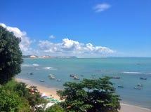 Vista de la playa famosa del Pipa - para el web fotos de archivo