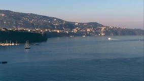 Vista de la playa de la meta de la costa de Sorrento, del concepto del viaje, del espacio para el texto, del timelapse, del vacat