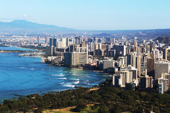 Vista de la playa y de Honolulu de Waikiki Fotos de archivo libres de regalías