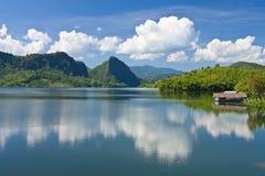 Vista de la presa de Mae Sarauy, Tailandia norteña Fotografía de archivo libre de regalías
