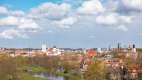 Vista de la primavera Vilna, Lituania, time lapse panorámico almacen de video