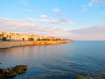 Vista de la 'promenade' y de las paredes viejas del alghero Alghero, Cerdeña, Italia Fotografía de archivo libre de regalías