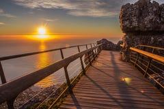 Vista de la puesta del sol de la montaña de la tabla Fotografía de archivo