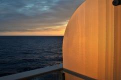 Vista de la puesta del sol en el balcón Imagen de archivo
