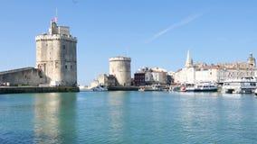 Vista de La Rochelle, uma cidade no oeste de França, no departamento Charente-marítimo vídeos de arquivo