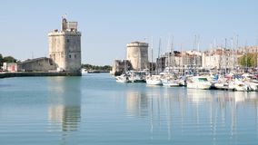 Vista de La Rochelle, uma cidade no oeste de França, no departamento Charente-marítimo filme
