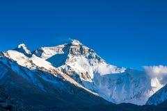 Vista de la tarde del Mt. Chomolangma Imagen de archivo libre de regalías