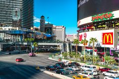 Vista de la tira y del tráfico de Las Vegas imagen de archivo libre de regalías
