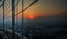 Vista de la torre de la puesta del sol Imágenes de archivo libres de regalías