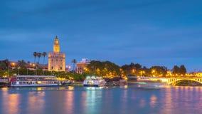 Vista de la torre de oro, Torre del Oro, de Sevilla, Andalucía, España almacen de metraje de vídeo