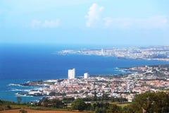 Vista de Lagoa e de Ponta Delgada, ilha de Miguel do Sao, Açores Foto de Stock