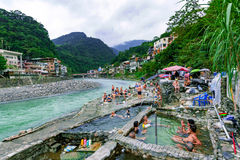 Vista de las aguas termales de Wulai Fotografía de archivo