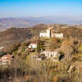 Vista de las colinas de Montecchio Maggiore (Vicenza, Italia) imagenes de archivo