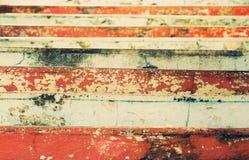 Vista de las escaleras coloridas apergaminadas Foto de archivo