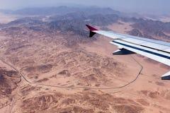 Vista de las montañas de Sinaí del avión Foto de archivo