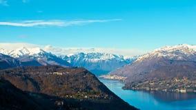 Vista de las montañas del lago de Orta Foto de archivo libre de regalías