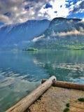 Vista de las montañas y de las nubes amaying foto de archivo