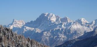 Vista de las montan@as Imagenes de archivo