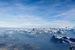 Vista de las montan@as de Suiza Foto de archivo