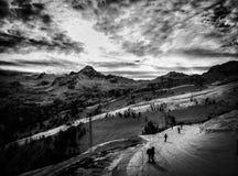 Vista de las pistas del esquí de Thuile del La imagen de archivo