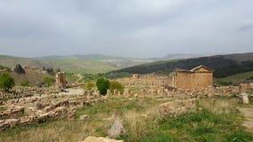 Vista de las ruinas del djemila Imagenes de archivo