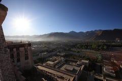 Vista de Lhasa no palácio de Potala Fotografia de Stock Royalty Free