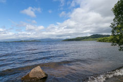 Vista de Loch Lomond Foto de archivo
