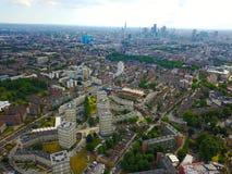 Vista de Londres del este con los Docklands y el hospital real de Londres en la visión fotografía de archivo libre de regalías