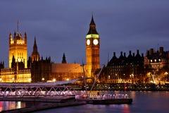 Vista de Londres en la noche Foto de archivo libre de regalías