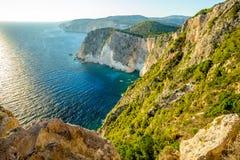 Vista de los acantilados blancos de Zakynthos imagen de archivo