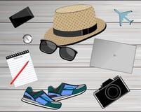Vista de los accesorios del ` s del viajero Fondo del concepto del viaje Imagen de archivo