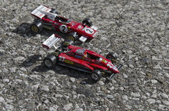 Vista de los coches de fórmula italianos famosos en el asfalto Fotografía de archivo