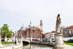Vista de los di Santa Giustina de la basílica de Prato Fotografía de archivo libre de regalías