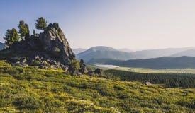 Vista de los lagos Shavlinsky de lejos Imágenes de archivo libres de regalías