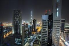Vista de los rascacielos de Sheikh Zayed Road en Dubai, UAE imagenes de archivo