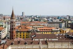 Vista de los tejados de teja de Milán Imagen de archivo libre de regalías