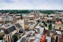 Vista de Lviv do telhado da câmara municipal Fotos de Stock Royalty Free