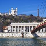 Vista de Lyon con la basílica y el tribunal Imagen de archivo libre de regalías