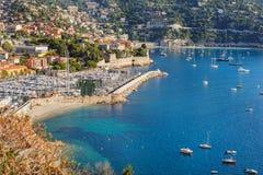 Vista de Mónaco y de muchos yates Fotografía de archivo