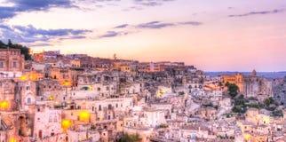 Vista de Matera no por do sol, Itália, capital europeia do UNESCO da cultura 2019 fotos de stock royalty free